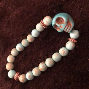 Jewelry - Blue skull beaded bracelet